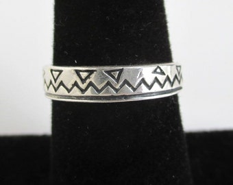 925 Sterling Silver Band Ring - Vintage Southwestern w/ Incised Designs, Size 6 1/4