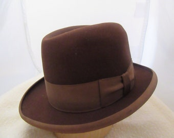 1940s Rogers Peet Co. Gents Formal Brown Fedora