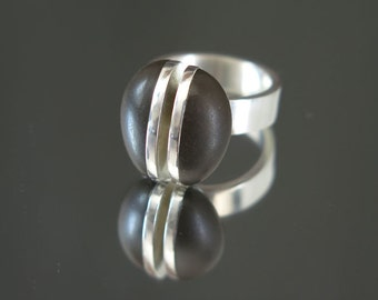 Unusual Jewelry, Sterling Silver Ring with Beach Stone OOAK Natural Pebble Ring, Meditative ring