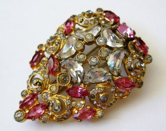 Vintage Art Deco Pink Jeweled Rhinestone Czech Art Glass Fur Clip