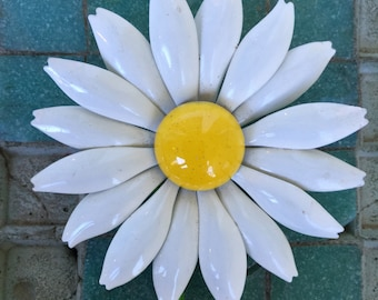 Daisy Brooch Floral Spring Flower White Bouquet Wedding Bride Vintage Pin