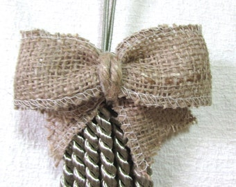 burlap ornament key/armoire tassel green 9 inches top to bottom