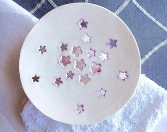 White Ceramic Soap Dish  - Modern Bath Soap Dish - Primitive Soap Dish - Boho Soap Dish - Flowered Soap Dish - Soap Plate - Soap Holder