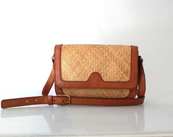 1980s Woven Straw & Brown Leather Crossbody Shoulder Bag // 80s Vintage Purse