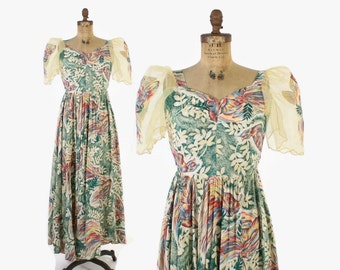 Vintage 40s Filipino DRESS / 1940s Rare Novelty Print Rayon Butterfly Sleeve Bird of Paradise Print Gown M