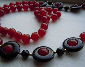 Vintage Carnelian and Onyx Bead Long Flapper Style Necklace