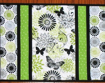 Table Runner Floral, Butterfly, in greens, black and white, table runner quilted, handmade