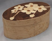 Shaker oval box with flower inlay