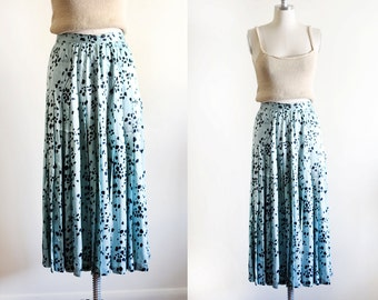 "Vintage High Waisted Silk Printed Pleated Skirt / 26"" waist /"