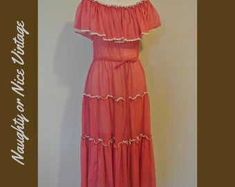 Pretty in Peasant Vintage 60s Ruffled Dress