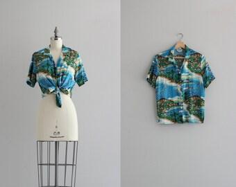 Coastal California Womens Shirt . Vintage Print Shirt . 1970s Catalina