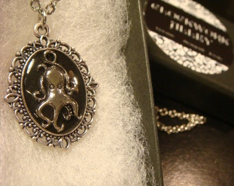 Small Black Octopus Necklace -  (2086)