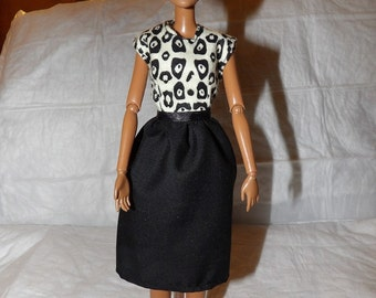 Modest dress with a solid black skirt & African print top for Fashion Dolls - ed901