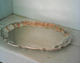Pretty Silverplate Platter. Simple elegant classic design.