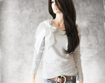 White bow top/Women long sleeve/Crew neck/Removable bow