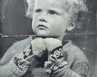 Vintage 1930s Bairns Wear Gloves Mittens Knitting Pattern