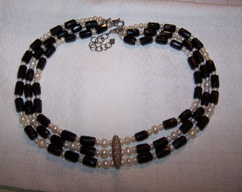 Vintage Fresh Water Pearl and Black Glass Necklace