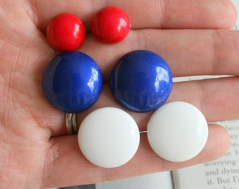 Vintage RED WHITE and BLUE Nautical Earrings Set of 3.....pierced ears. retro accessories. costume jewelry. 80s glam. mod. vintage. liberty