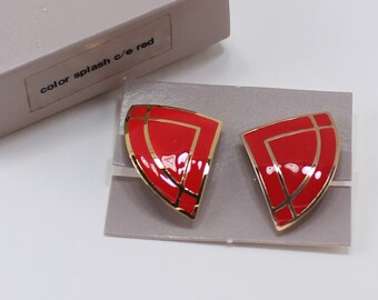 SALE 10 PERCENT Off Vintage 1986 Signed Avon Color Splash Red Enamel Gold Tone Geometric Curved Triangle Clip On Earrings Original Box NIB