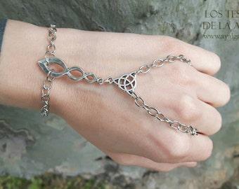 slave  bracelet triketa