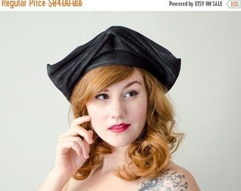 25% OFF SALE / 1930s vintage hat / black straw tricorne / black straw hat