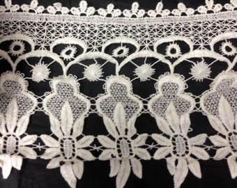 1 Yard Ivory Floral Design Venice Lace 8 inch wide