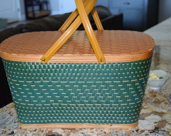 Vintage Basket / Picnic Basket Set/ Reto Picnic/ Wedding Decor/ Wedding Card Holder