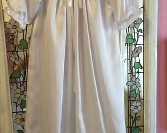 Victorian BABY -  Creamy White ViNTAGE CHRISTENING Gown - Super SALE