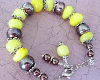 Yellow Stone Bead and Mahogany Glass Bead Bracelet, Yellow Chunky Bracelet, Natural Stone Bead Bracelet, FREE SHIPPING