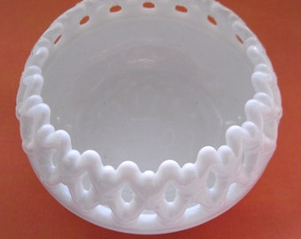 Westmoreland Milk Glass Doric Rose Bowl Vintage Fruit Bowl Candy Dish