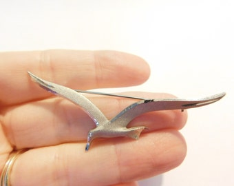 Vintage Silvertone Pewter Flying Seagull Bird Pin or Brooch
