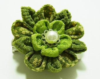 Tsumami Kanzashi flower brooch and hair clip  Kimono Chirimen crepe - AYUMI(Macha green tea)