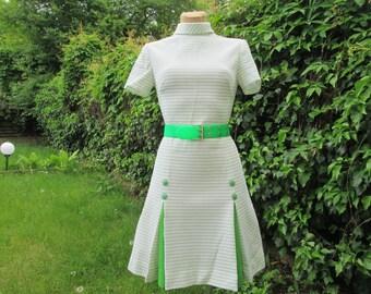 Nice Mini Dress Vintage / Size EUR40 / UK12 /  / White / Green / Twiggy / Crimplene