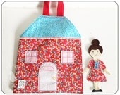 TRAVEL DOLLHOUSE : Fabric and felt dollhouse set complete with doll and dress up clothes