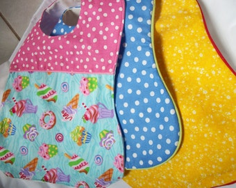 Set of 3 baby bibs with clothes-shield backing