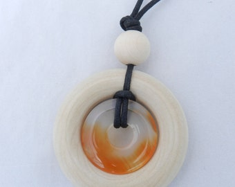 Nursing Necklace Teething Necklace - Wood Ring and Stone Pendant