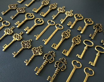 Keys to the World - Skeleton Keys - 100 x Large Rustic Key Charms Antique Bronze Brass Skeleton Key Skeleton Key Set Bulk Key Pendants