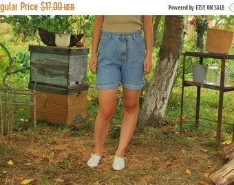 SALE High Waisted Denim Shorts VINTAGE 80s jeans shorts
