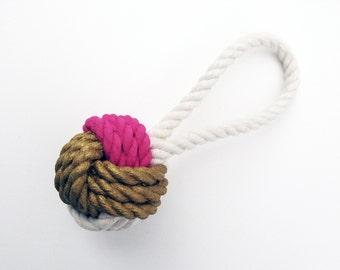 Fuchsia & Gold Painted Monkey's Fist Knot - Ornament