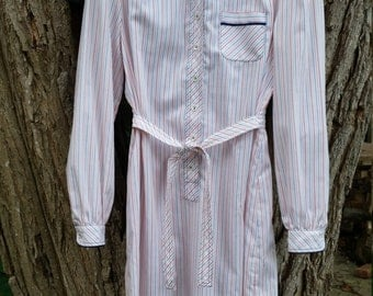 Adorable retro 80s Button Up Shirt Dress With Belt Size 6 petite
