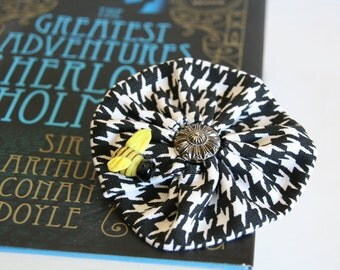 Houndstooth Hair Clip/Pin, Sherlock Holmes Cosplay, Geekery, Fan Girl, Convention Accessory, Halloween Costume Accessory, Black White Clip