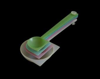 Tupperware Measuring Spoons Set - Vintage 1950s Pastel