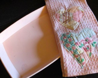 Pink tray dish melmac and quilted hearts dish cloth towel Vintage plasticware dresser bath storage serving kitchen decor melamine kitchen