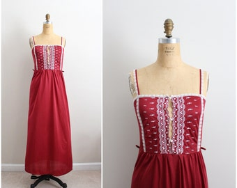 70s Burgundy Slip Dress/ Wedding Nightgown / 1960s Lace Slip Dress / Vintage Nightgown/ Size S/M