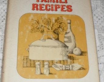 Treasured Southern Family Recipes by Geddings De M. Cushman  Vintage HBDJ Book 1966