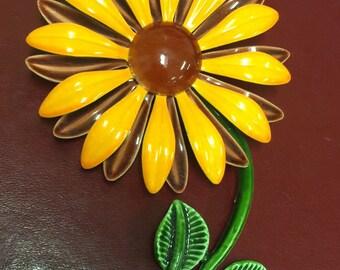 1960s flower brooch Vintage jewelry enamel daisy