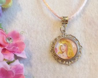 10 Aurora, Sleeping Beauty Necklaces Party Favors.