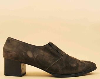 90s Vtg FERRAGAMO Suede Nubuck Leather Olive Green Oxford Low cut Winkle-picker Ankle Boot Stacked Chunky  Heel Western Boho 9.5 Eu 40 41