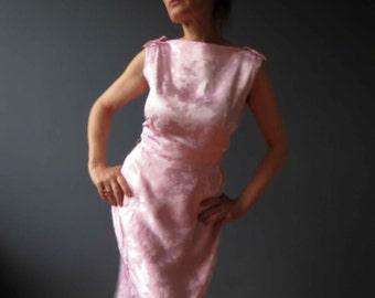 Vintage 50s Pink Satin Floral Damask Dress Bateau Boat Neck Wiggle Dress Small