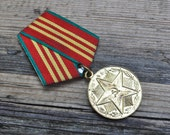 """Vintage Soviet Russian medal """"Armed forces-10 YEARS of EXCELLENT SERVICE"""""""